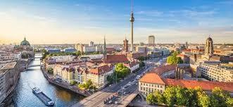 Berlin lôi cuốn những đôi tình nhân đến thắp lửa trong mùa tuyết trắng